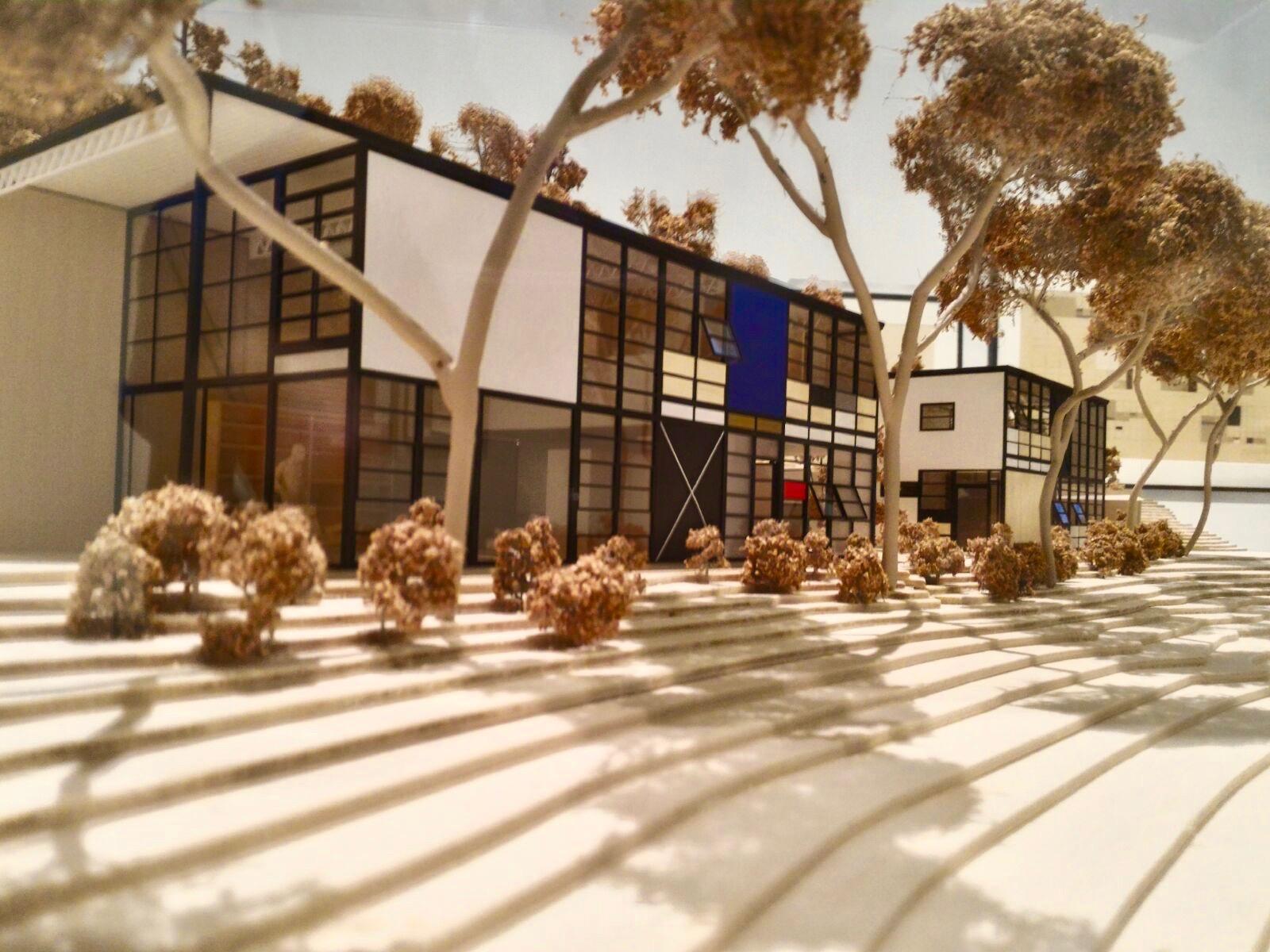 """A casa Eames é, nas palavras dos arquitetos britânicos Alison and Peter Smithson """"arquitetura como resultado direto do modo de vida."""" © Miguel Gonçalves"""