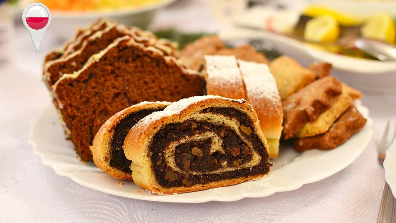 Torta de sementes de papoila tradicional dos países da Europa de Leste, é popular tanto no Natal como na Páscoa.