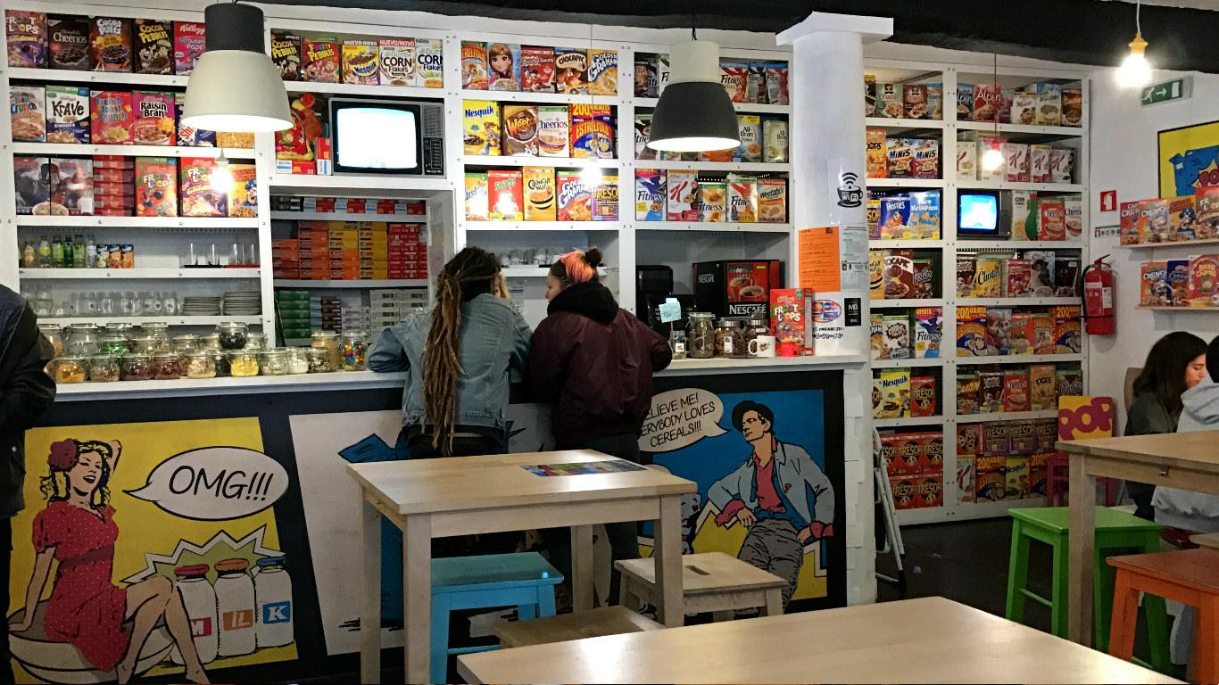 Interior do Pop Cereal