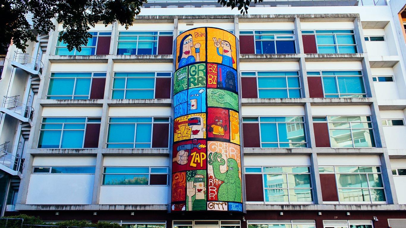 Hugo Lucas faz referência à banda desenhada na Biblioteca Municipal Piteira Santos.