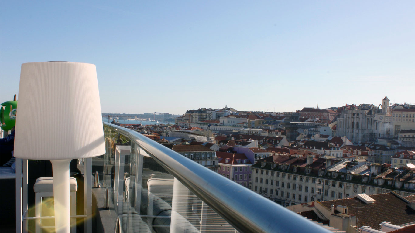 Vista do Rooftop do Hotel Mundial para a Baixa