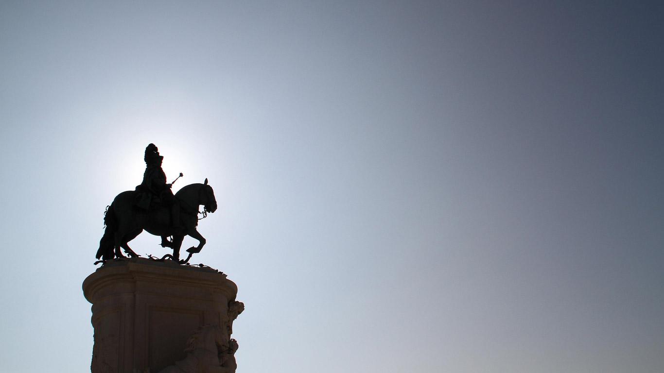 A estátua equestre de D. José situa-se no Terreiro do paço
