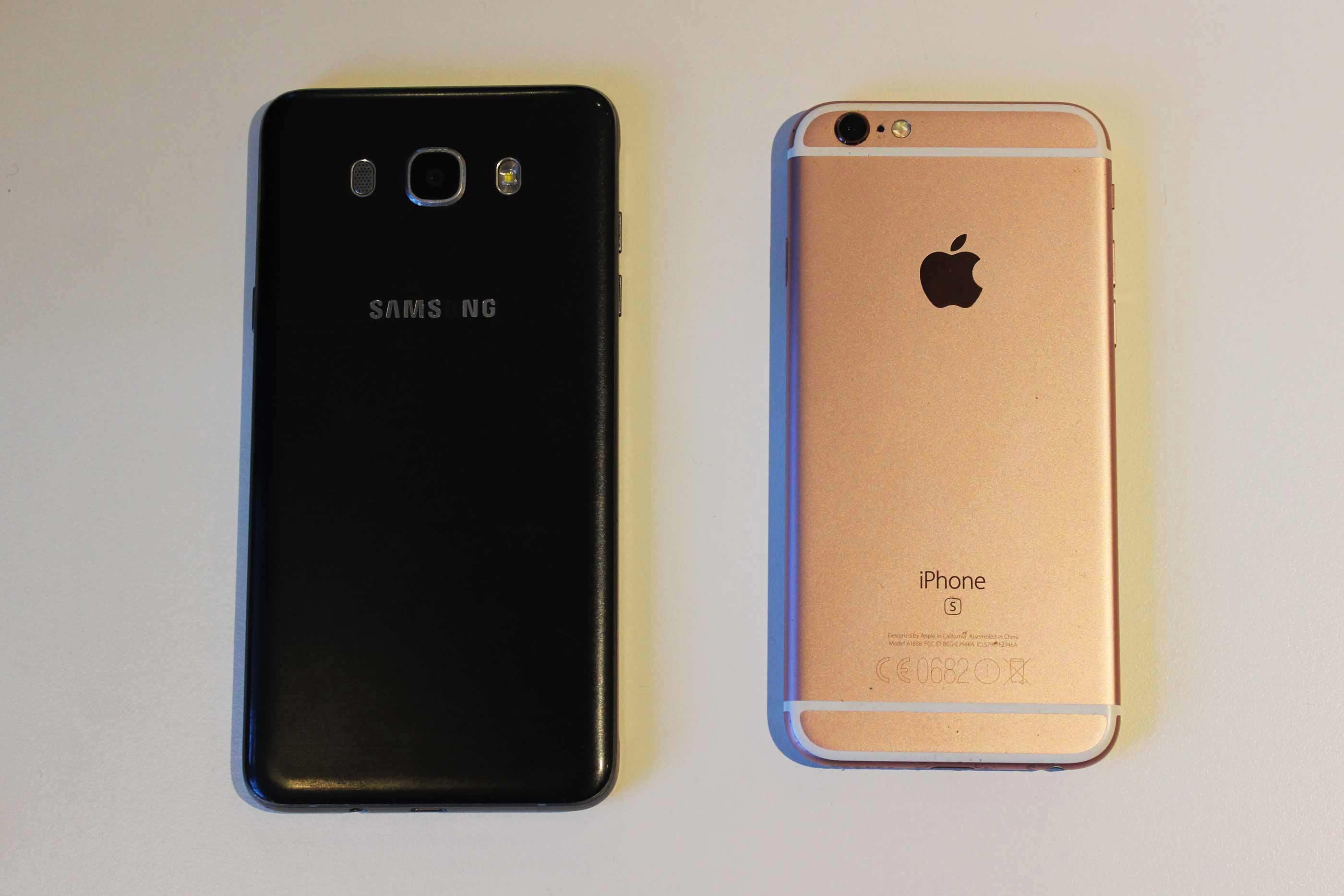 Desde o aparecimento do lançamento do smartphone da Apple a concorrência foi-se tornando cada vez mais feroz entre a Samsung e a Apple. CC by Inês Ramalho