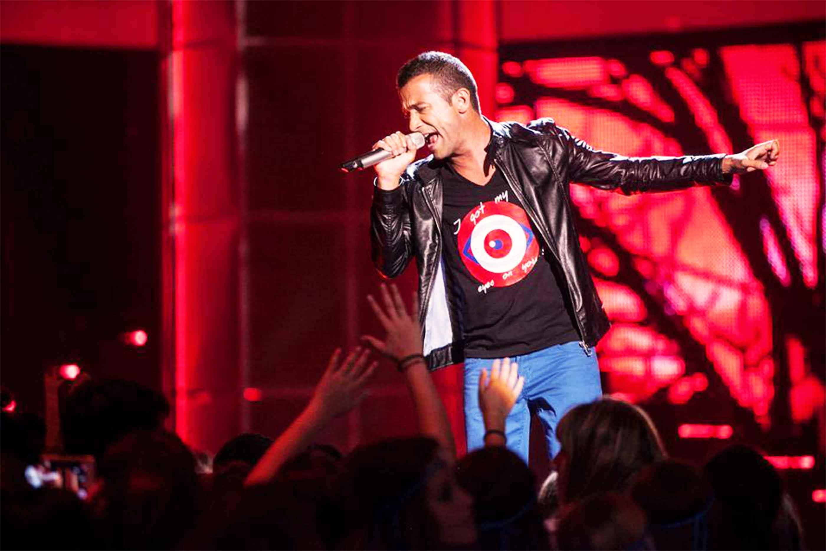 Rui Drumond em actuação durante uma gala do The Voice Portugal.