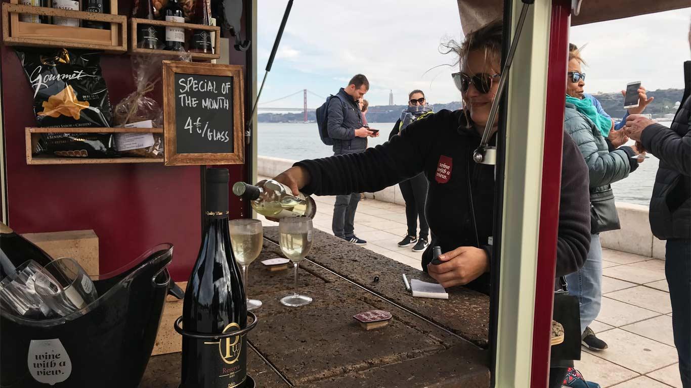 Nesta FoddTruck podemos encontrar vinhos portugueses.