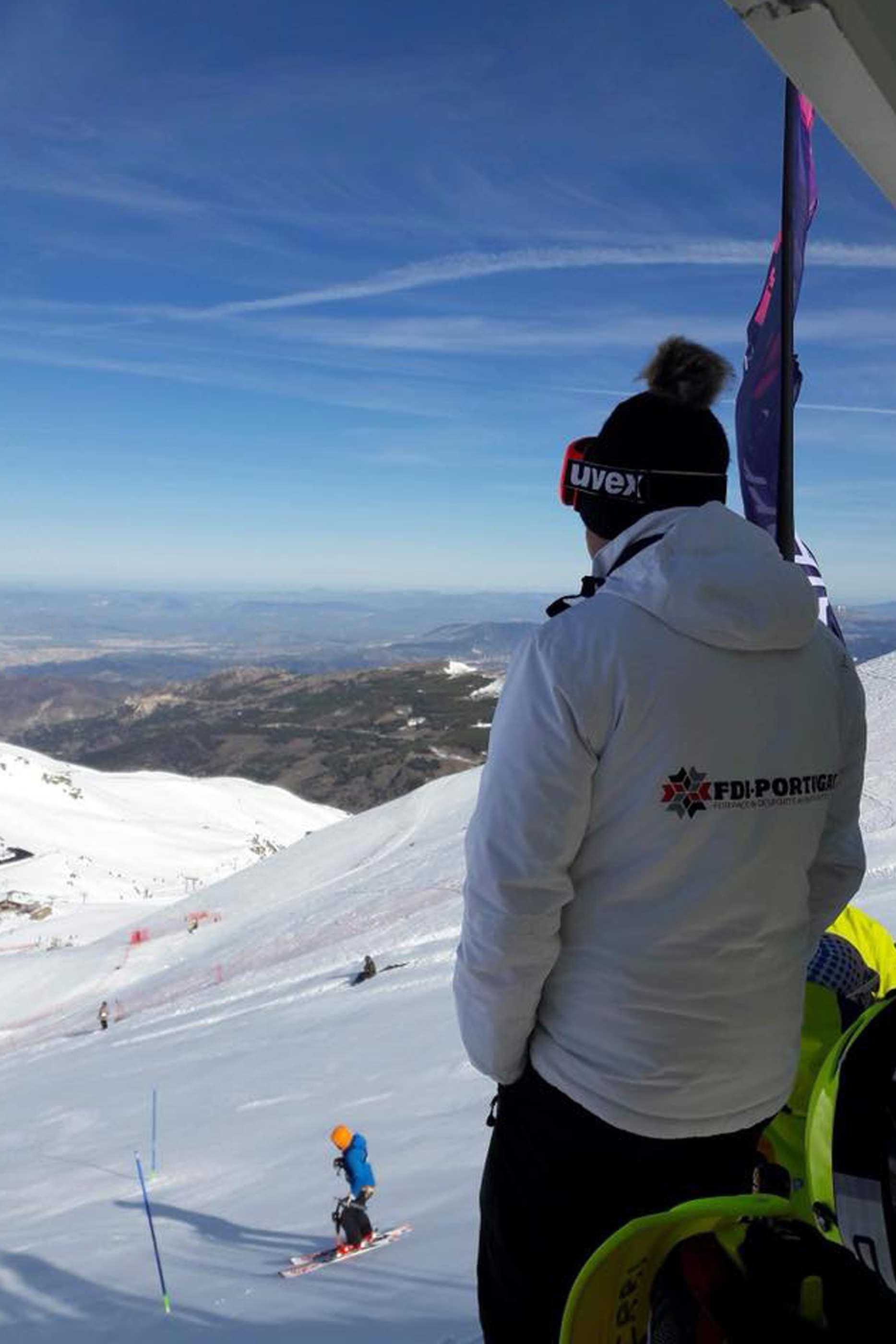 Membro da FDI-Portugal, durante a prova FIS em Serra Nevada.
