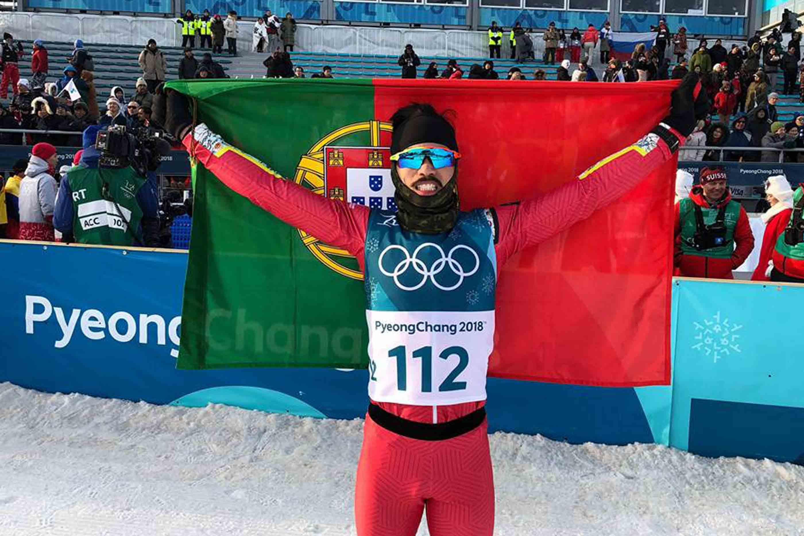 Atleta português, após a prova de esqui de fundo, nos jogos olímpicos de inverno de 2018.