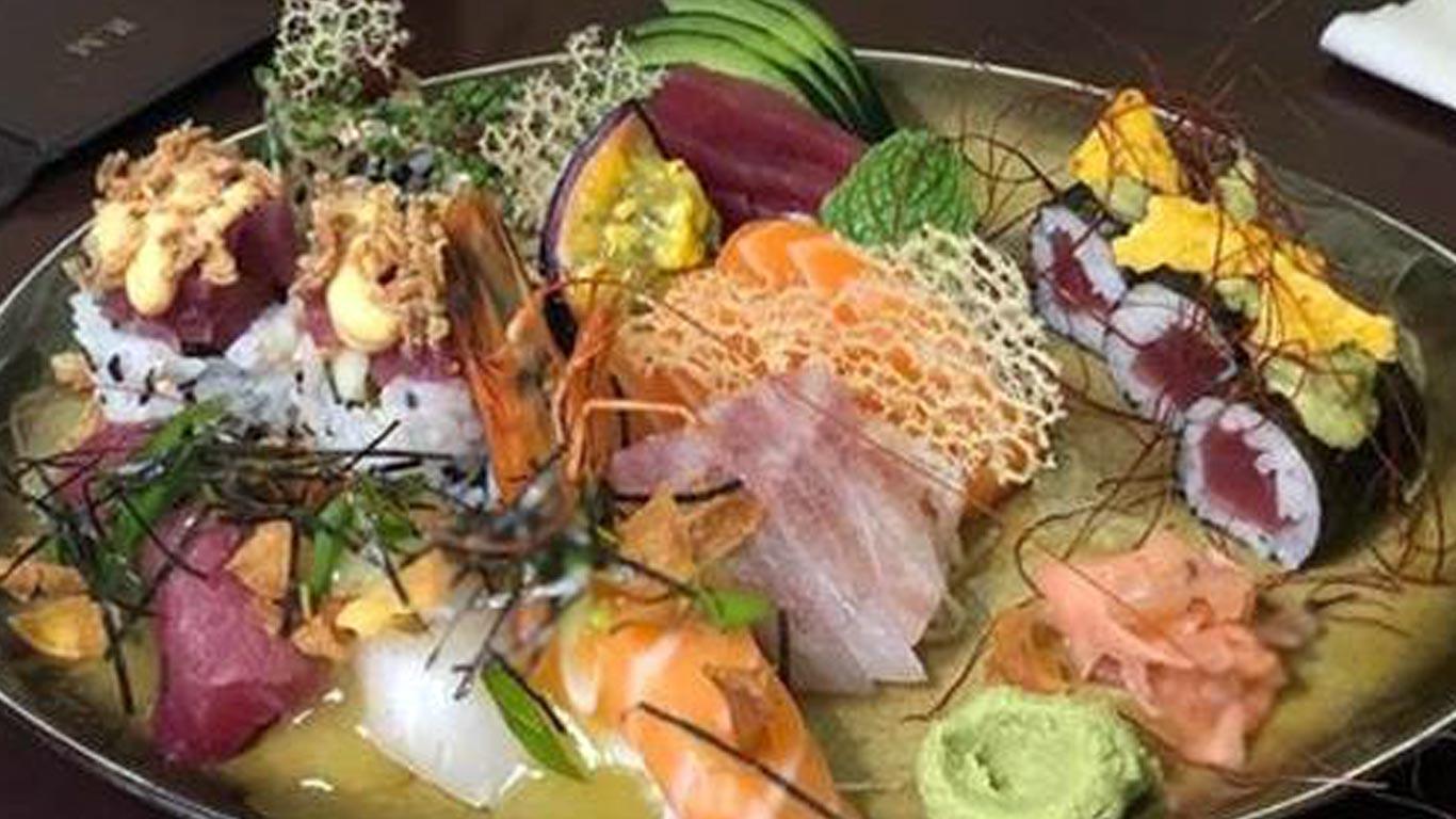 Combinado de peças de sushi no restaurante Sushic no Chiado.