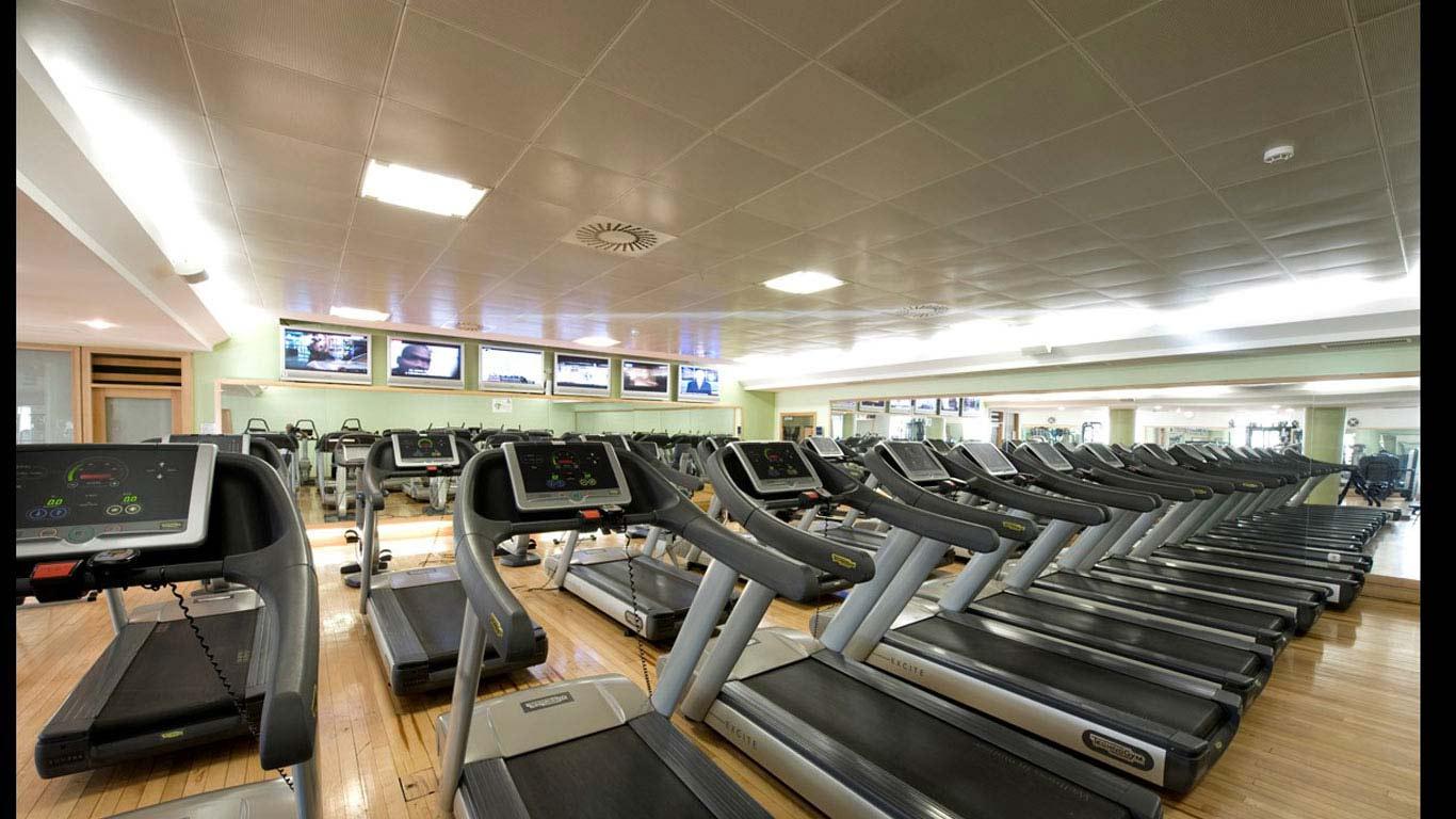 Sala de equipamentos do ginásio Clube VII