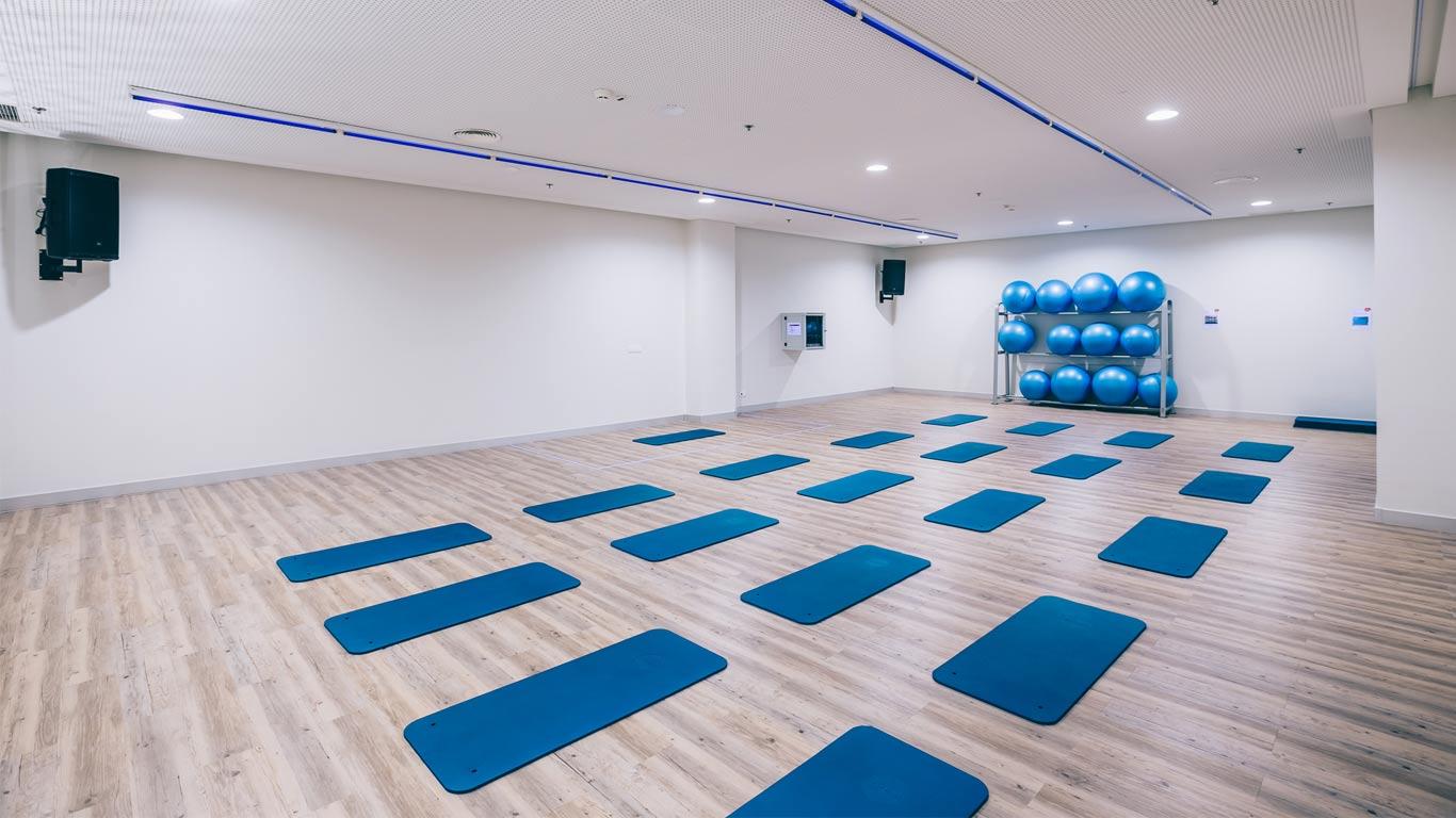 Sala de aulas de grupo do ginásio Solinca Health & Fitness