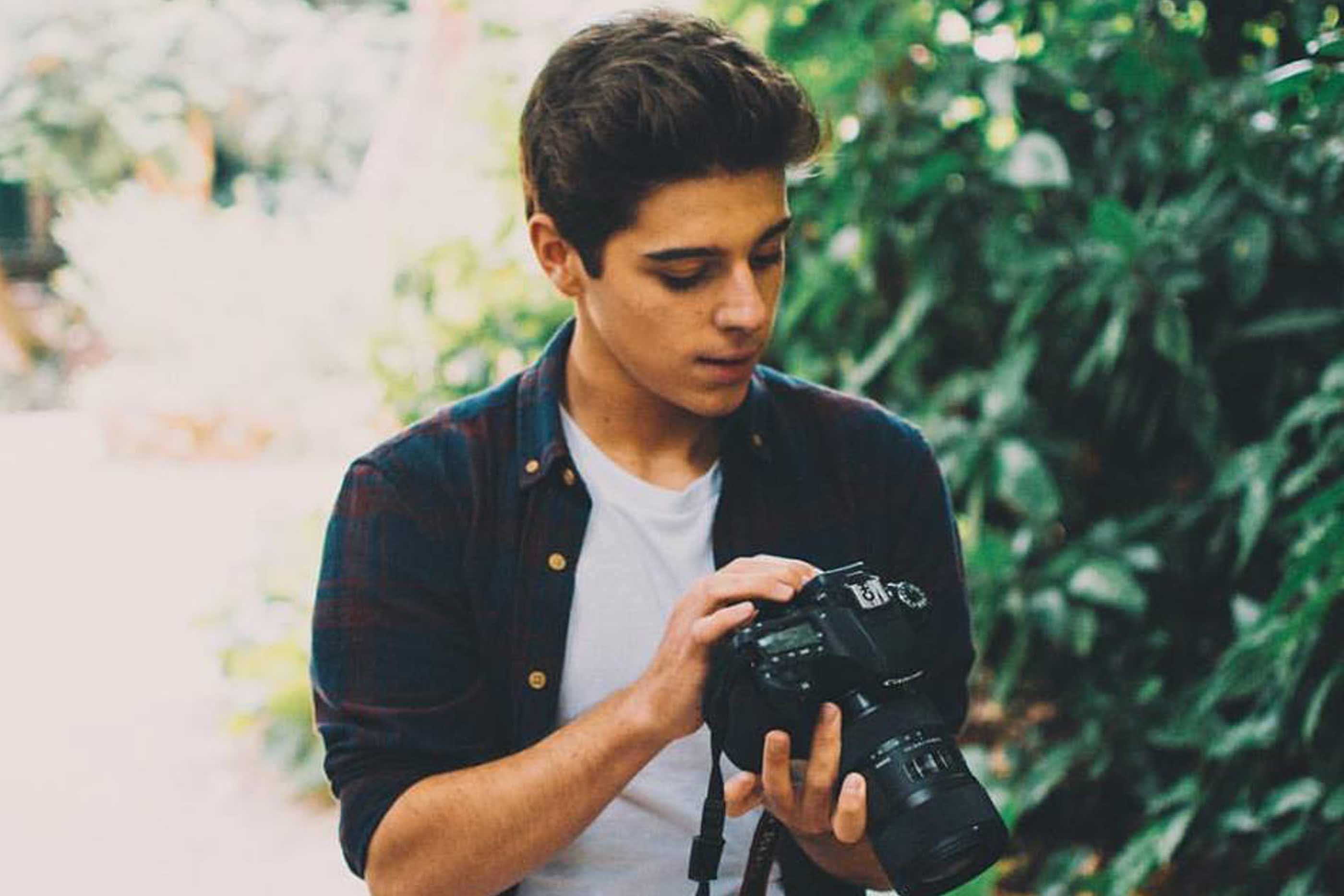 Tomás Silva e a sua máquina fotográfia
