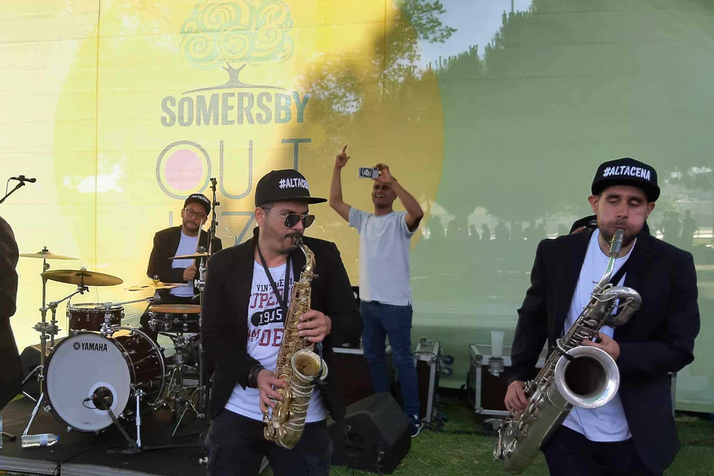 Artistas da banda de Jazz #Altacena atua no palco do Somersby OutJazz 2019, no dia 19 de Maio nos Jardins de Belém.