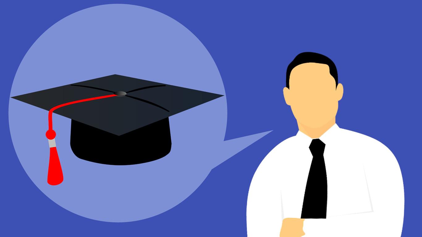 Sobre um fundo azul escuro, vemos um homem e um diploma de finalista.