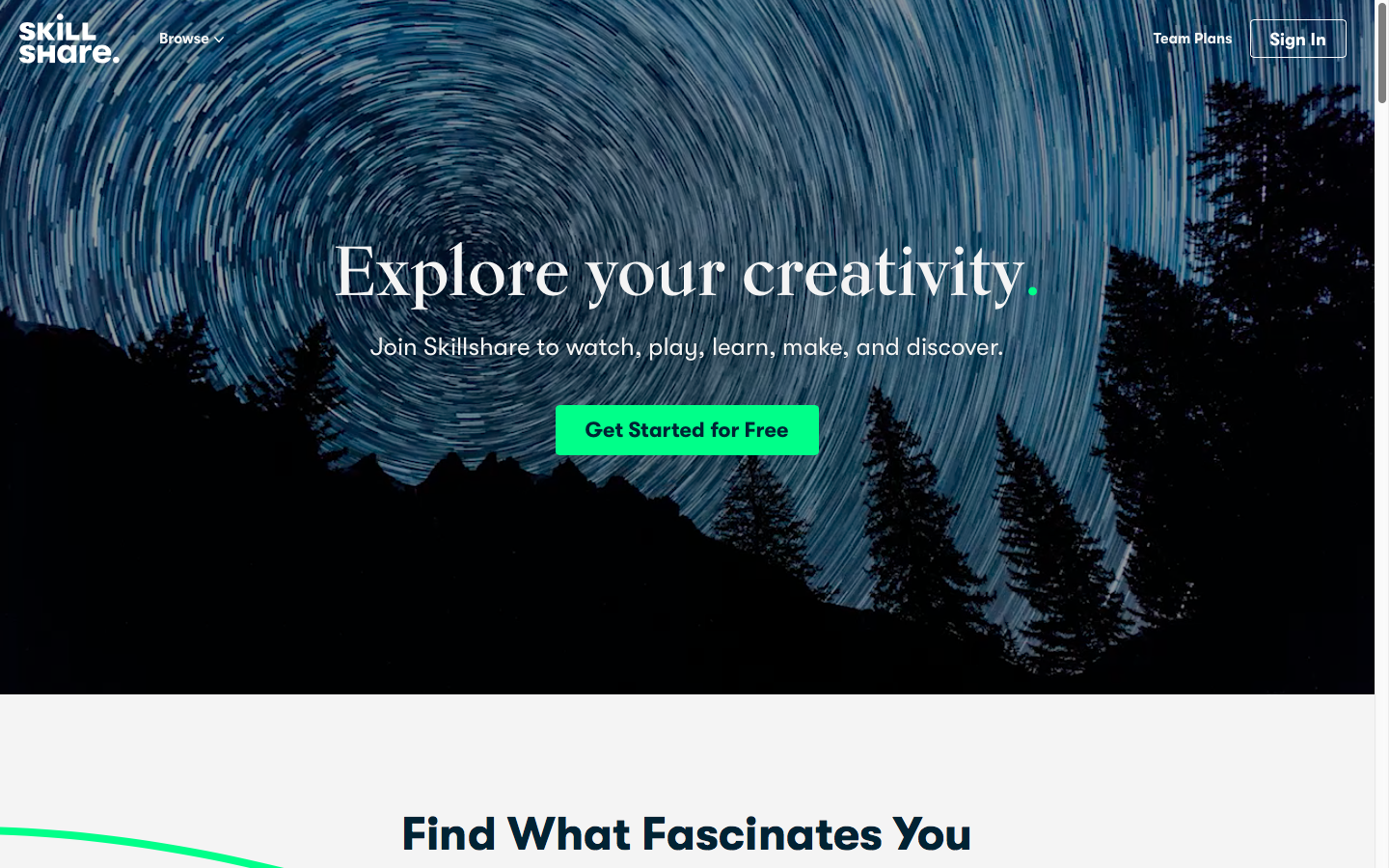 "Página incial do site Skillshare, juntamente com as frases ""Explore your Creativity"" e ""Find What Fascinates You""."