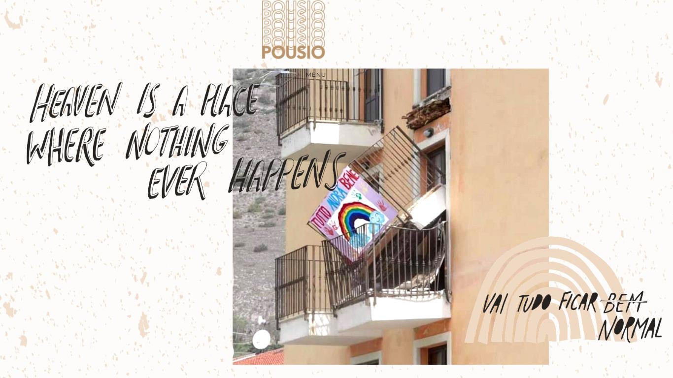 """Prédio com quatro varandas, uma delas tem um cartaz com um arco-íris com a frase """"tutto andra benne"""". Essa varanda está caída dentro da varanda do vizinho de baixo. Ao lado, está um arco-íris ilustrado, de cor beije, com a frase: vai ficar tudo bem normal. Sobreposto ao prédio encontram-se letras que constituem o título """"Heaven is a place where nothing ever happens""""."""