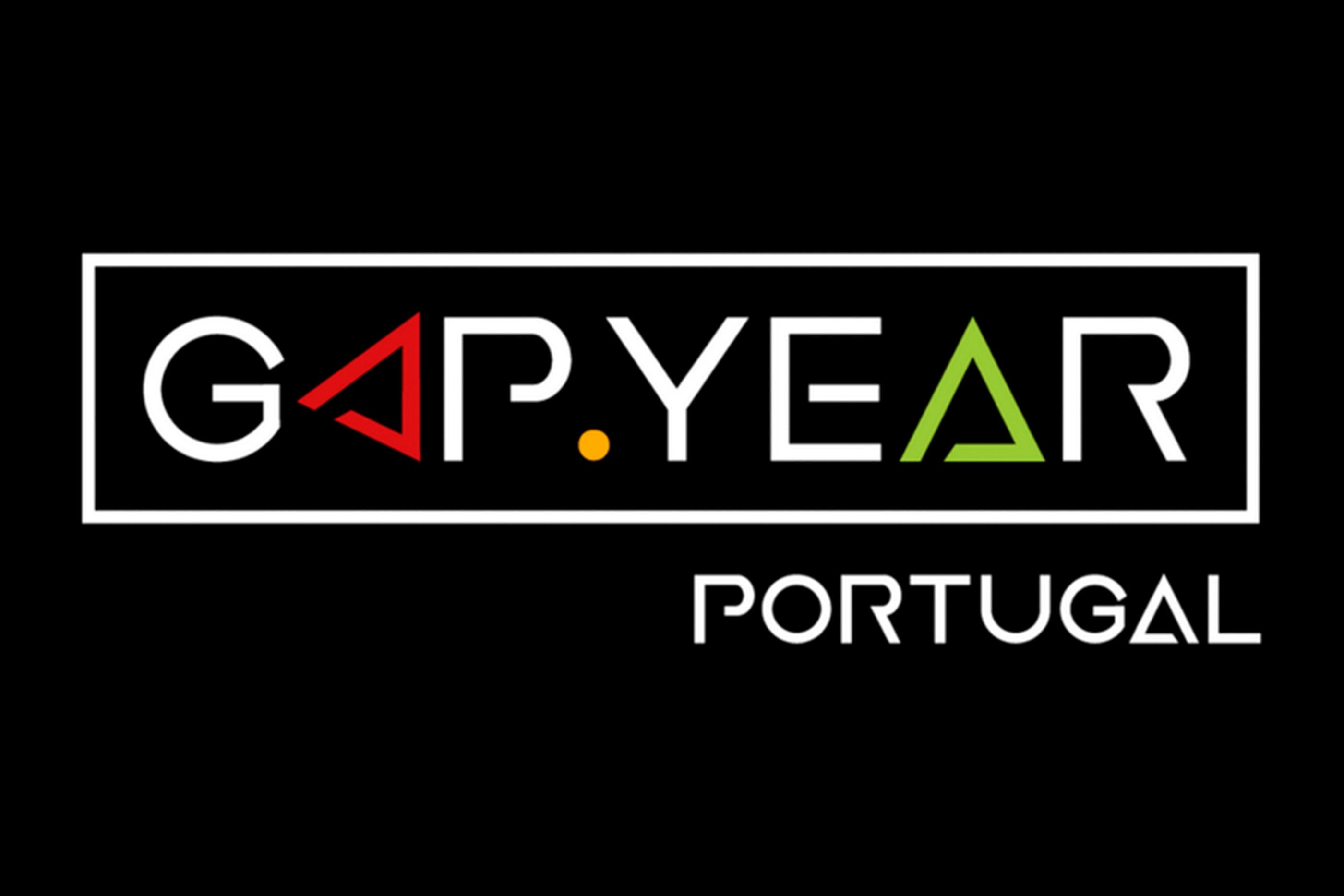 Logotipo da Associação Gap Year Portugal num fundo preto
